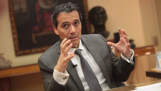 ALONSO SEGURA, MINISTRO DE ECONOMIA Y FINANZAS.